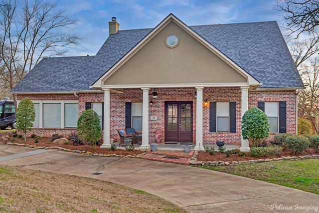 11 Fair Oaks Property Photo