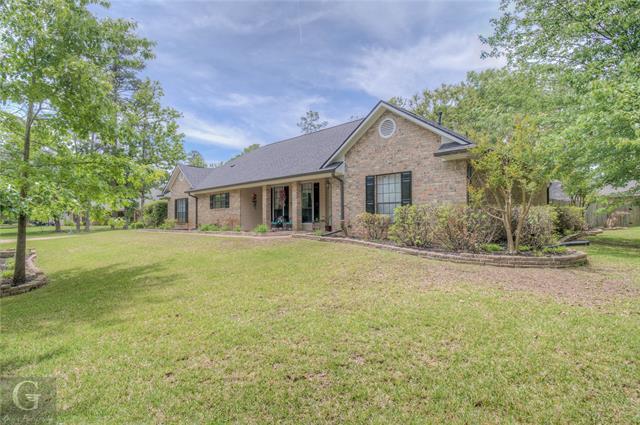 4901 Old Oak Drive Property Photo 1