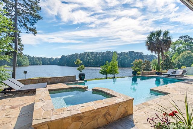 1086 Waters Edge Circle Property Photo 1