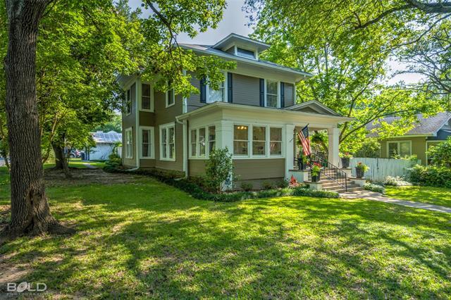 901 Elmwood Property Photo