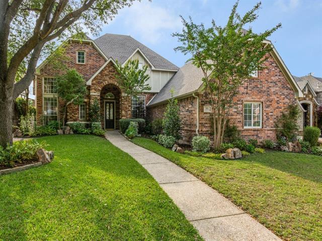 806 Lakewood Drive Property Photo 1