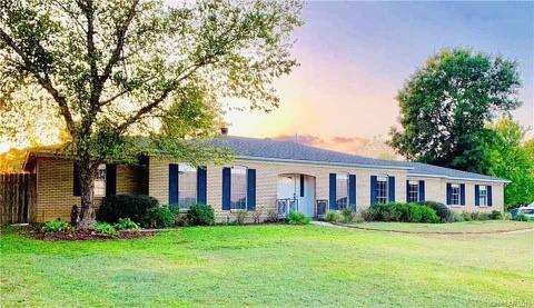 109 S Tanglewood Property Photo
