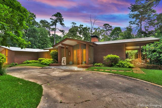573 Spring Lake Drive Property Photo 1
