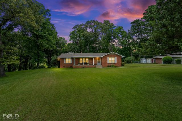 948 Edgewood Drive Property Photo 1