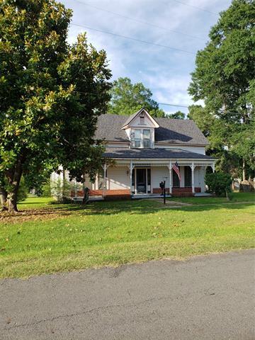 304 E Louisiana Avenue Property Photo 1