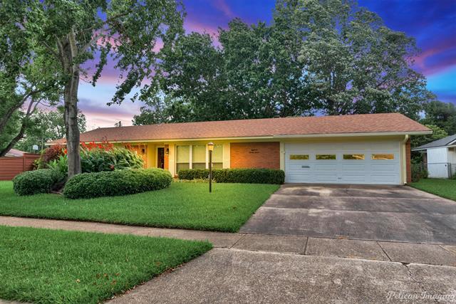 1827 Ray Avenue Property Photo 1