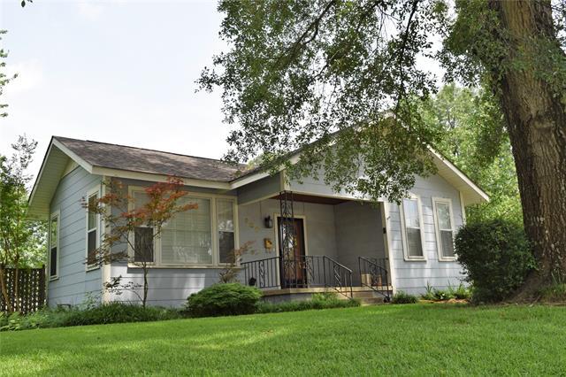 900 Elm Street Property Photo 1