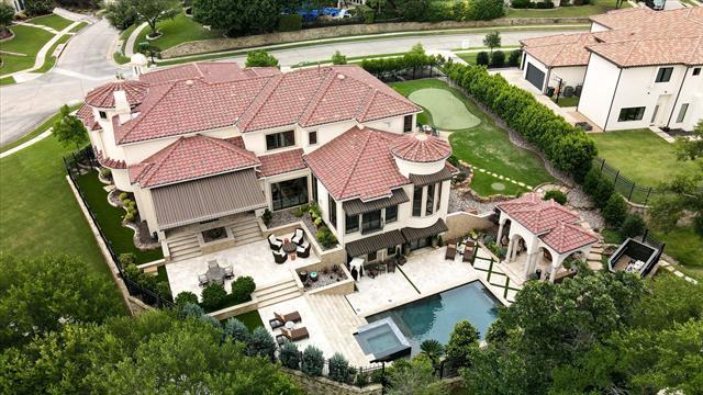 6709 Woodland Creek Drive Property Photo 1