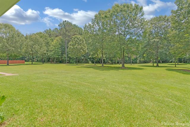 5585 Woodhaven Drive Property Photo 2