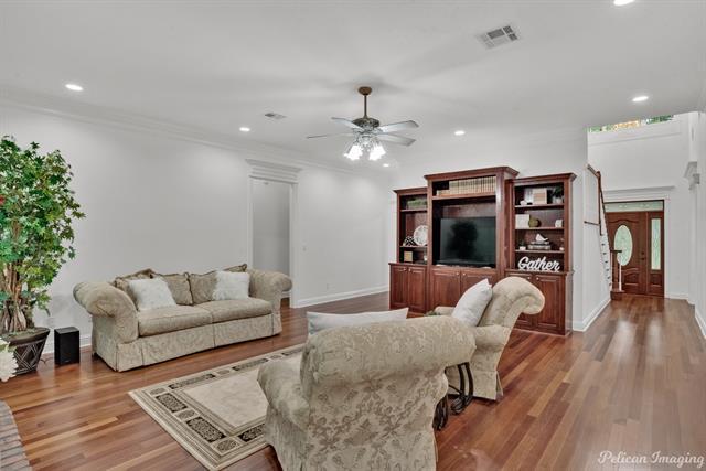5585 Woodhaven Drive Property Photo 6
