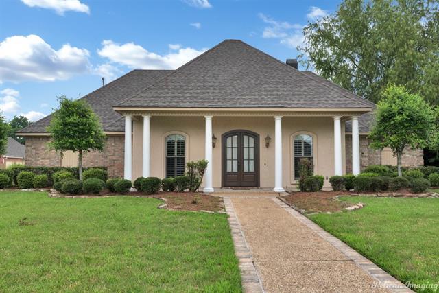 635 Summerville Drive Property Photo 1