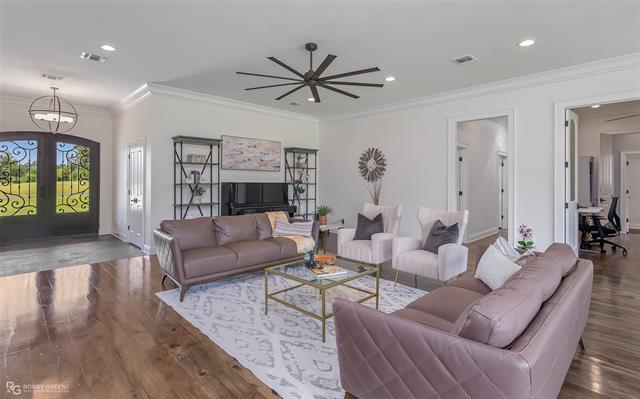 8020 S Lakeshore Drive Property Photo 1