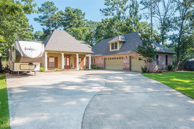 4033 Pinewood Street Property Photo 1