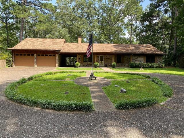 7823 W Lakeshore Drive Property Photo 1
