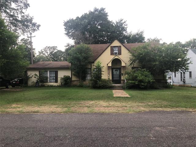 225 S Bird Street Property Photo 1