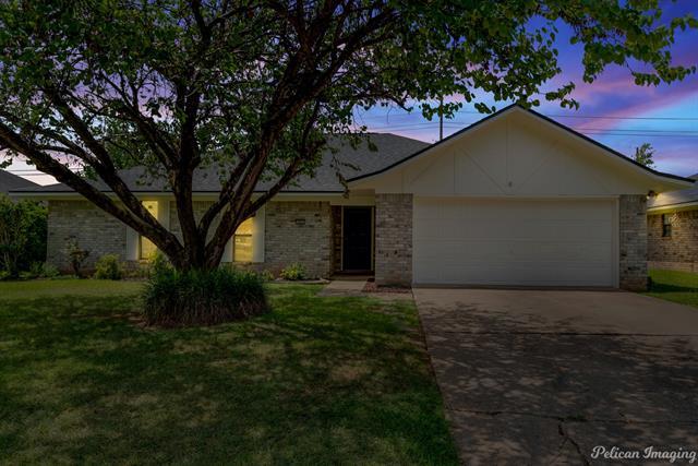 405 Oakwood Street Property Photo 1