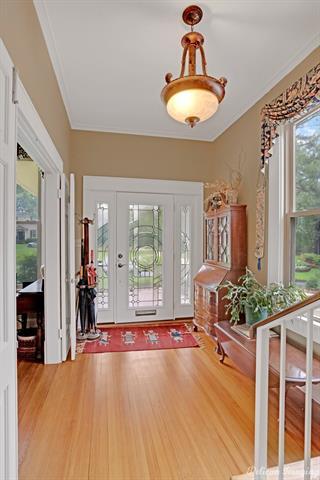 1040 Delaware Street Property Photo 3