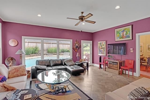 1040 Delaware Street Property Photo 14