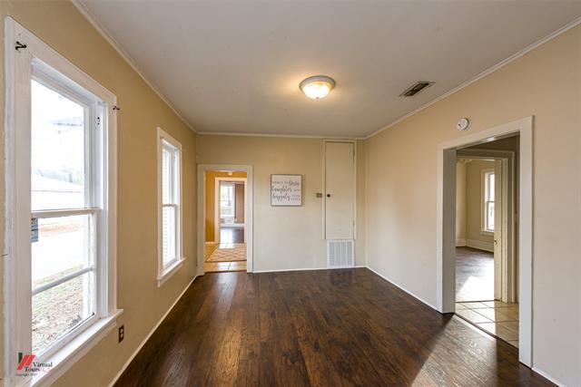 275 E Elmwood Street Property Photo 8