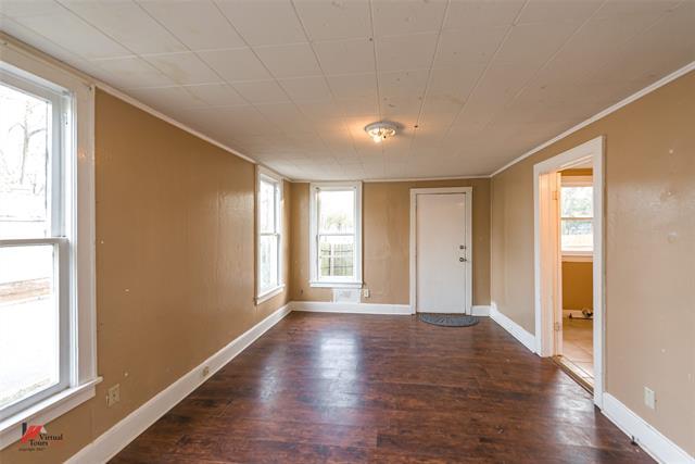 275 E Elmwood Street Property Photo 17