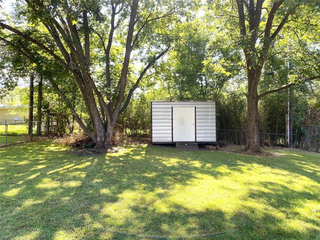 8821 Edgewood Place Property Photo 22
