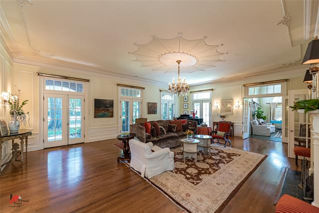2525 Fairfield Avenue Property Photo 9