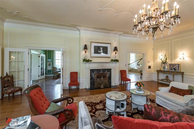 2525 Fairfield Avenue Property Photo 10