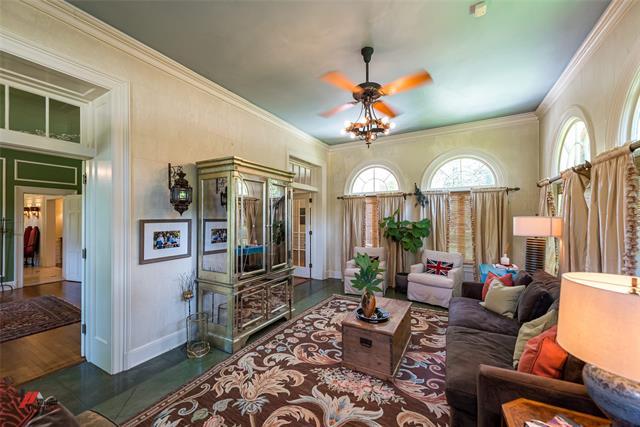 2525 Fairfield Avenue Property Photo 12