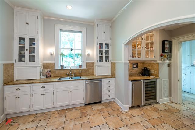 2525 Fairfield Avenue Property Photo 16