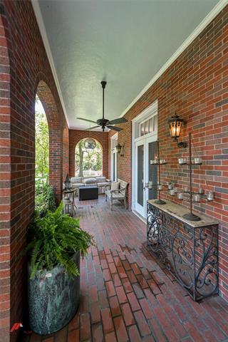 2525 Fairfield Avenue Property Photo 39