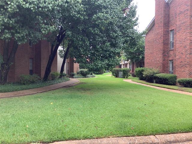 14 Meadow Creek Drive Property Photo 1