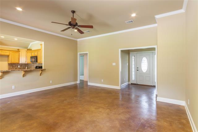 9400 Montwood Circle Property Photo 12