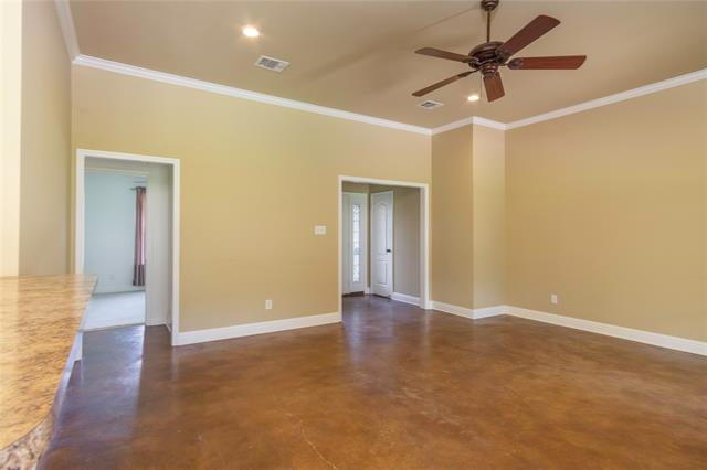 9400 Montwood Circle Property Photo 13