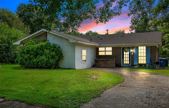 307 Gilbert Drive Property Photo 1