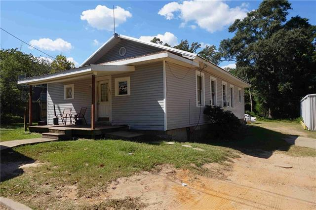 605 E College Street Property Photo 1