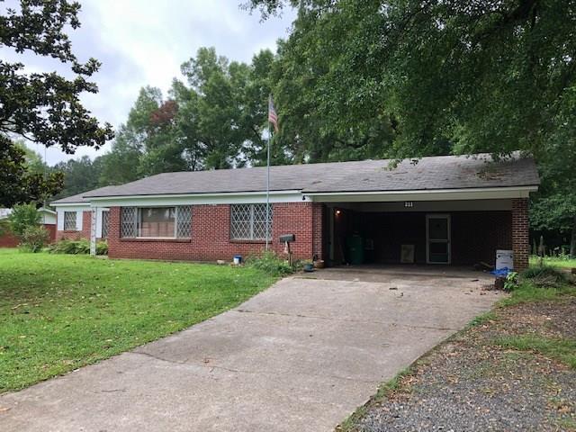 211 N Main Street Property Photo 1