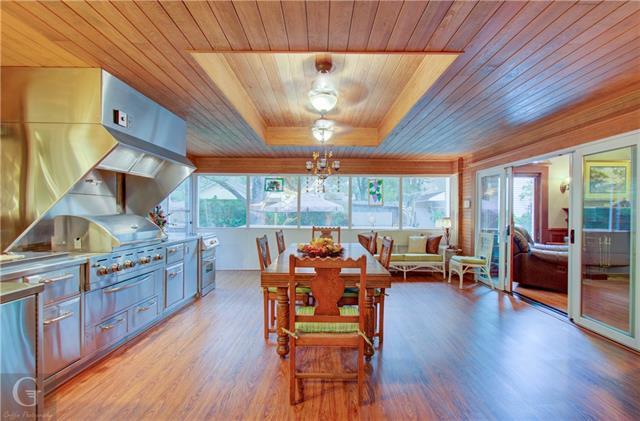 902 Robinson Place Property Photo 14