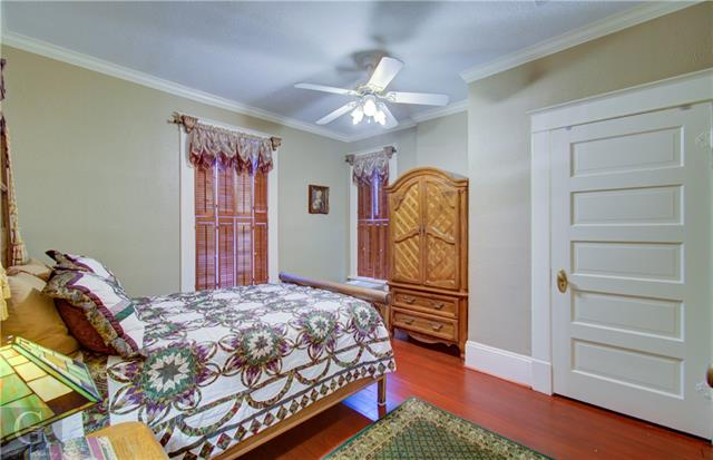 902 Robinson Place Property Photo 27