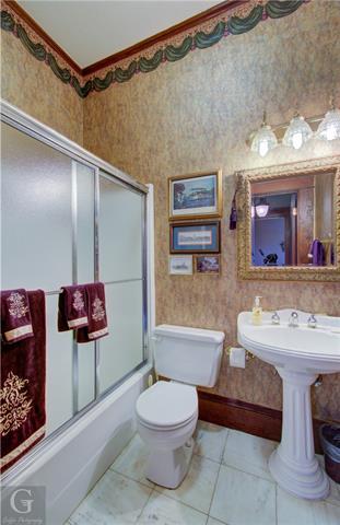 902 Robinson Place Property Photo 29