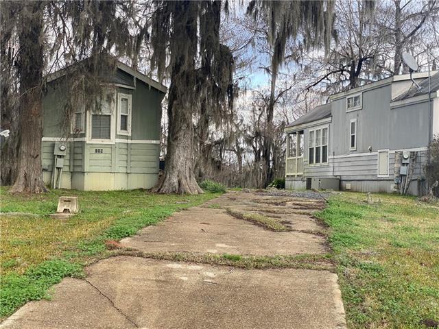 315 Lakeview Circle Property Photo 1