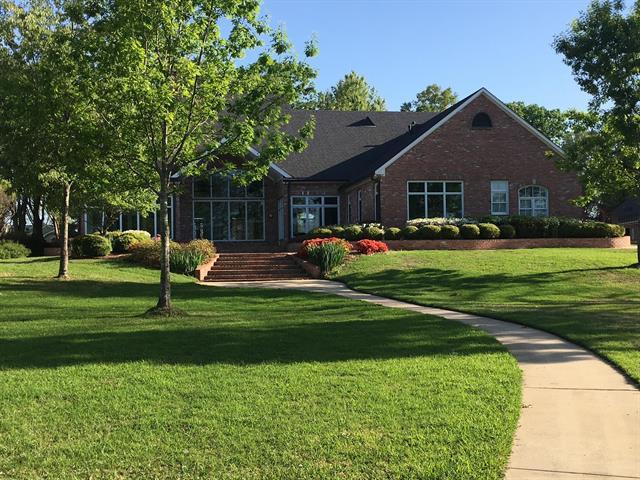 4940 Oak Point Drive Property Photo 1