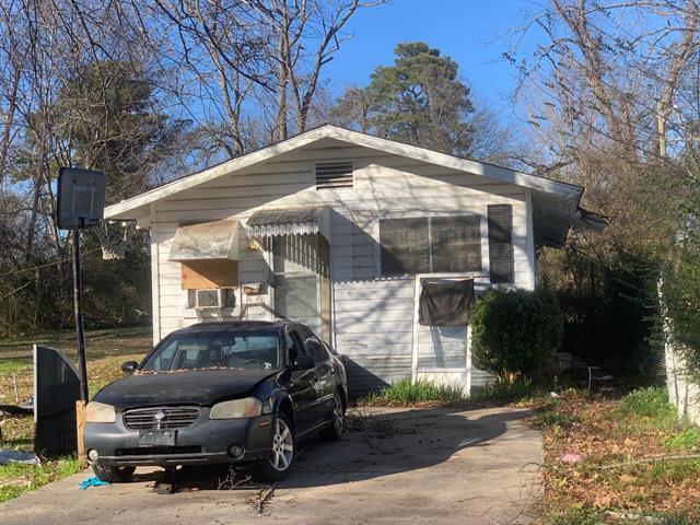 1207 Bernard Street Property Photo 1