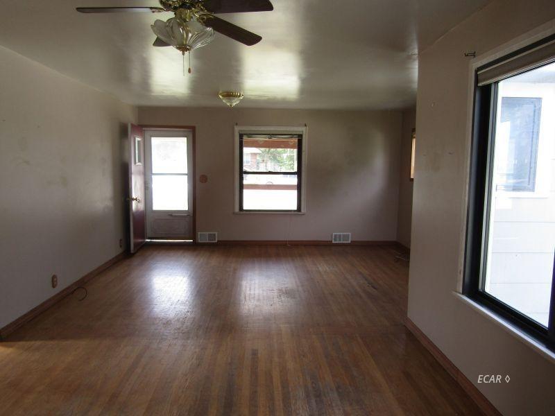 549 4th Street Property Photo 2