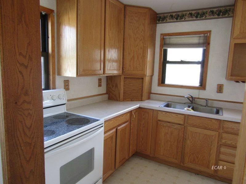 549 4th Street Property Photo 7