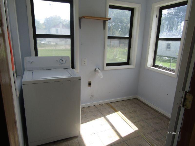 549 4th Street Property Photo 8