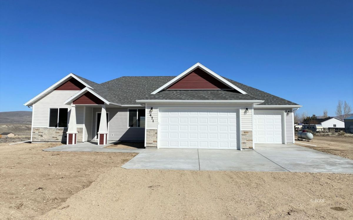 471 Lilac Drive Property Photo