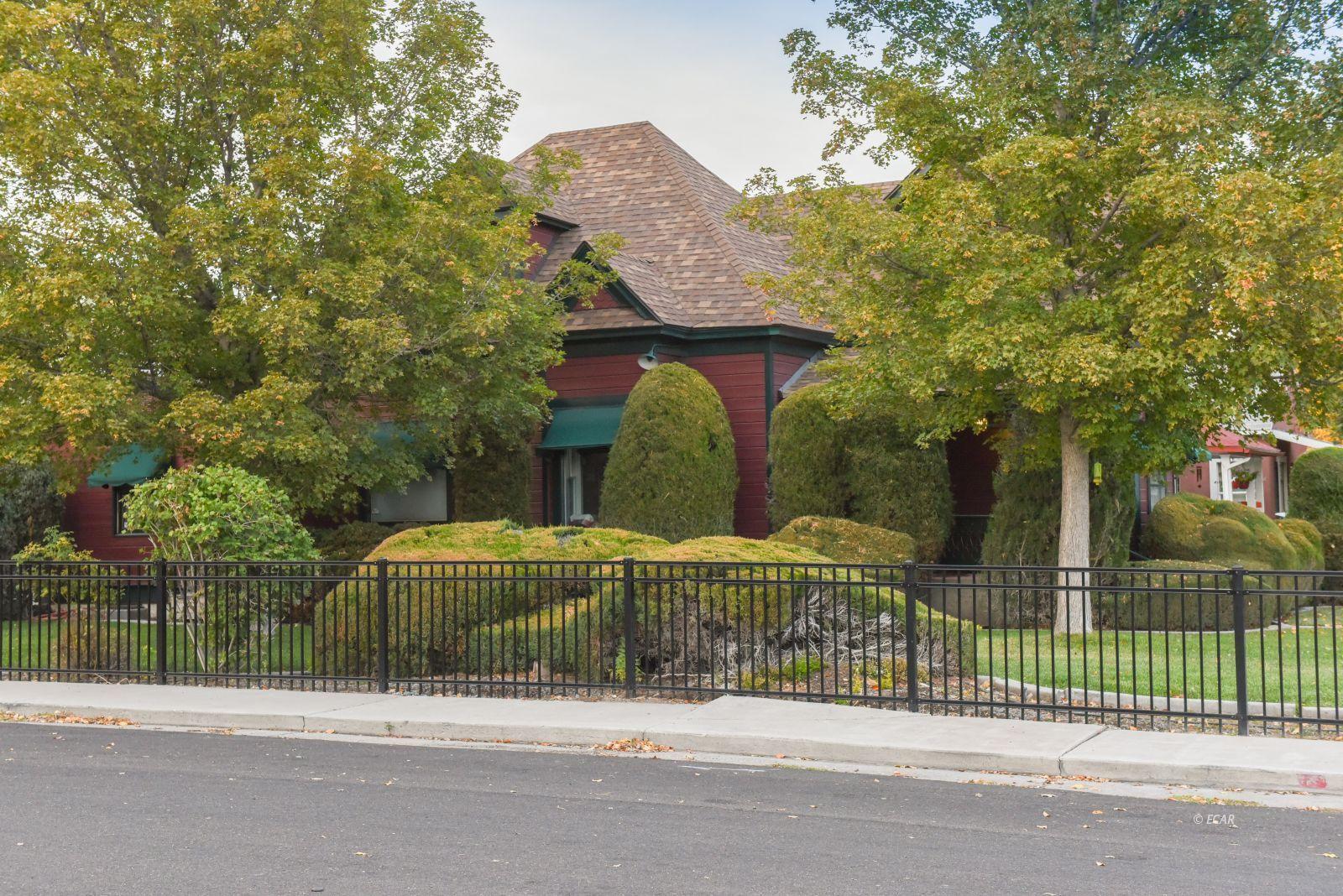 603 Pine Street Property Photo 4
