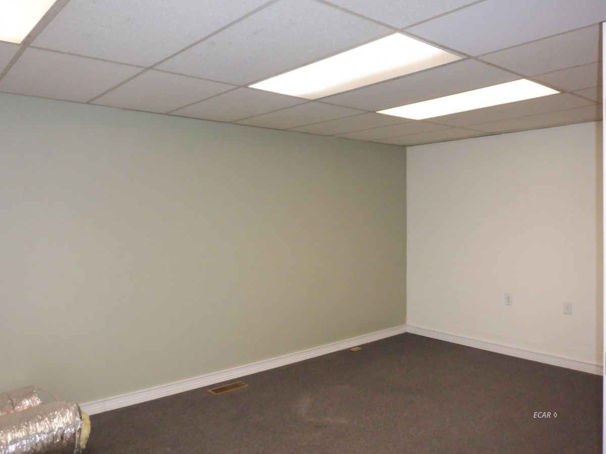 524-528 Commercial Street Property Photo 5