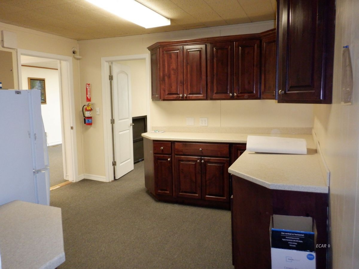 524-528 Commercial Street Property Photo 18