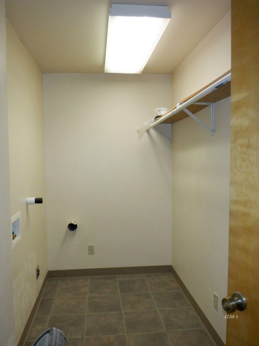 524-528 Commercial Street Property Photo 27